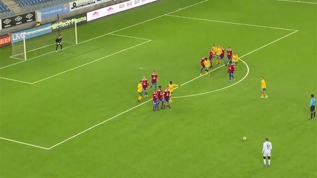 El heredero de Chilavert juega en la Segunda División noruega: así la clavó por la escuadra de falta directa