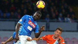 Koulibaly en un partido con el Nápoles