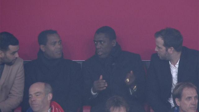 Ni las leyendas del Ajax entendieron por qué se anuló el gol