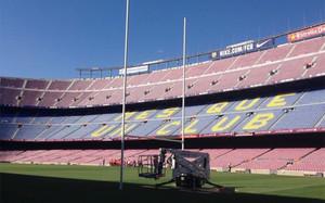 Las porterías de rugby se han instalado esta semana en el Camp Nou