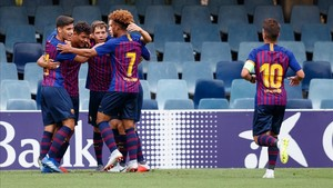 Los azulgranas celebran el gol de Lucas que abrió el marcador