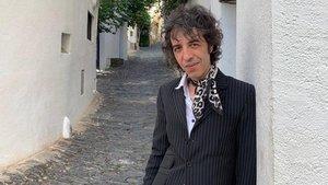 Marc Ros acaba de estrenar su primera novela, `El regreso de Abba¿, que comparte título con el nuevo disco de Sidonie