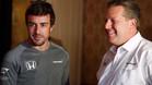 Alonso y Zak Brown en Bahrein