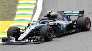 Bottas rodando en el circuito brasileño de Interlagos