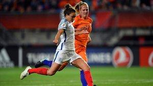 Carney en el partido Holanda-Inglaterra de la UEFA Womens Euro