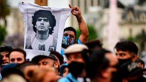 Dudas y sospechas alrededor de la muerte de Maradona (ES)