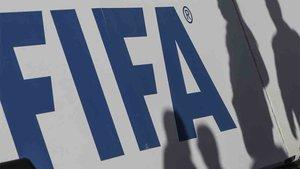 La FIFA castiga a un club modesto como el Cádiz