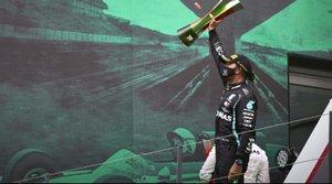 Hamilton quiere cerrar un contrato a largo plazo y acorde con sus éxitos