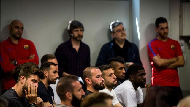 Iniesta estuvo arropado por todos los estamentos del club en su despedida