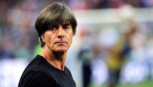 Joachim Low criticó el arbitraje y sostuvo que su equipo fue mejor