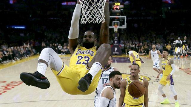 Los Lakers sacan el rodillo en su enésimo back to back