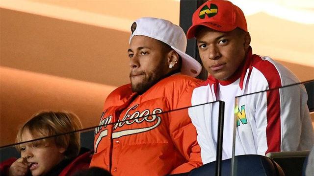 Neymar y Cavani disfrutaron desde las gradas del PSG Toulouse