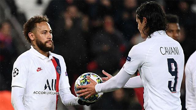 Neymar cedió un lanzamiento de penalti a Cavani