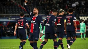 Neymar lideró el vendaval ofensivo del PSG ante el Angers