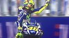 peineta de Rossi a Aleix Espargaró