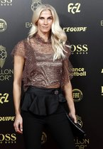 Sofia Jakobsson del club club CD Tacon llega a la gala del Balon de Oro France Football 2019 en el Chatelet Theatre en Paris.