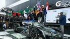 Alonso y su equipo celebran el triunfo en Daytona