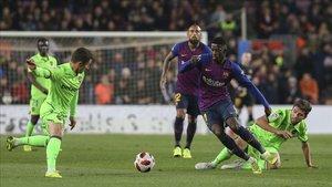 El Barça ganò al Levante en el campo...y en los despachos