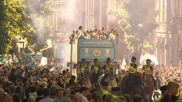 El City celebró la Premier con sus aficionados
