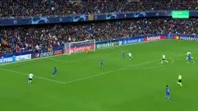 Escandaloso fallo de Rodrigo en el último suspiro que pudo dar la victoria al Valencia