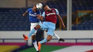 El Everton venció al West Ham por 4-1, pero acabó con tres lesionados