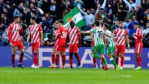 El Girona volvió a desmoronarse tras el descanso, contra el Betis