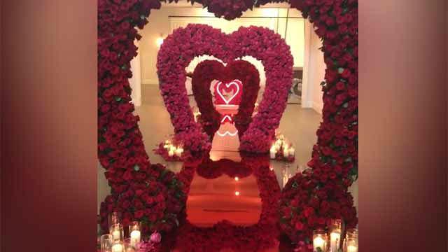 Kylie Jenner muestra su regalo de San Valentín
