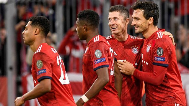 Lewandoski hace un doblete y guía al Bayern ante el AEK