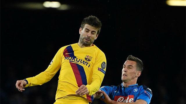 Piqué se marchó lesionado de San Paolo tras un feo salto