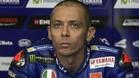 Rossi, concentrado en el box de Yamaha