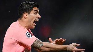 Suárez durante el partido en el Giuseppe Meazza ante el Inter