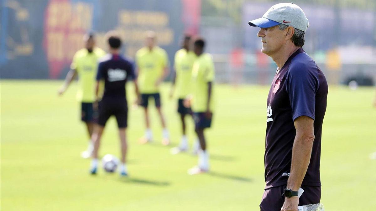 Vuelve De Jong a la titularidad ante el Nápoles
