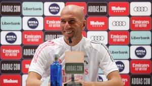 Zidane dará su opinión sobre la actualidad del Madrid y el duelo ante el Barça