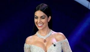 Así calcula lo que valen sus joyas Georgina Rodríguez, la estrella de Mask Singer