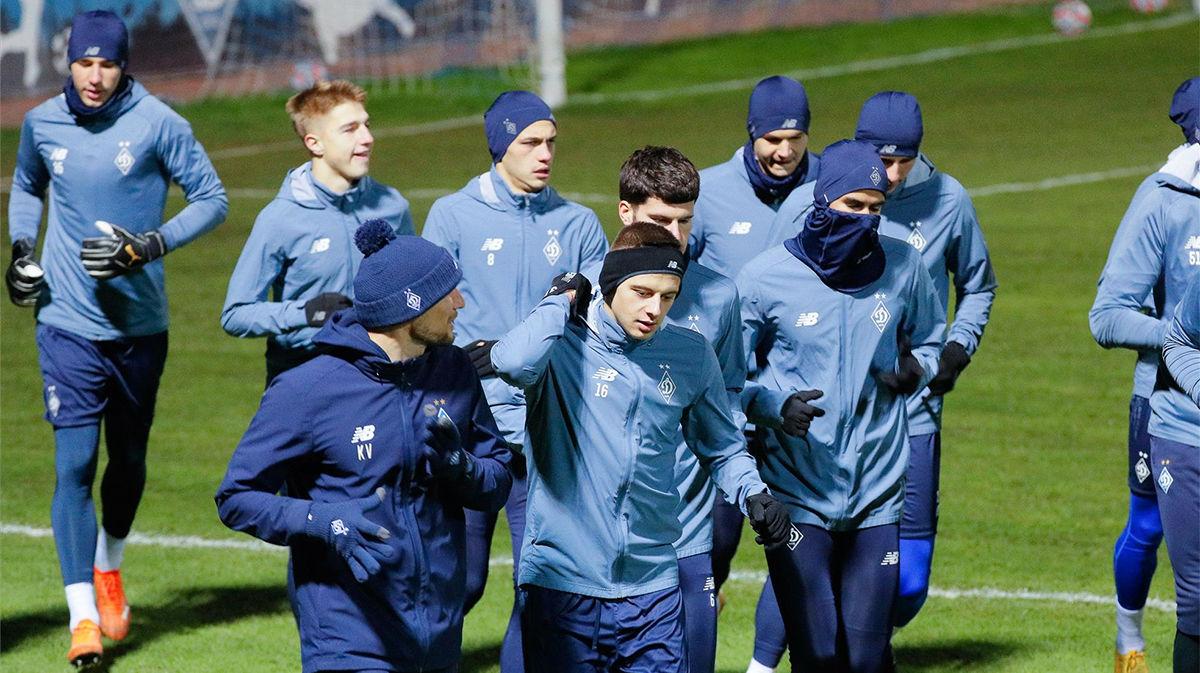 Entrenamiento del Dinamo Kiev el día antes de su partido frente al Barcelona