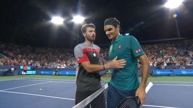 Federer pasa la segunda ronda en Cincinnati