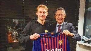 Frenkie de Jong, ansioso por debutar con el Barça