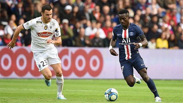 Gueye marcó el tercero ante el Angers