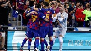 Los azulgranas celebrando un gol