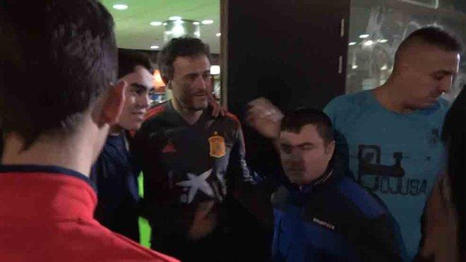 Luis Enrique y los árbitros muestran su cara más solidaria