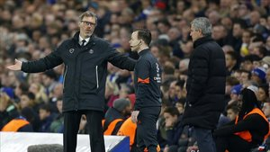 El Lyon, tras la negativa de Mourinho, negocia con Blanc