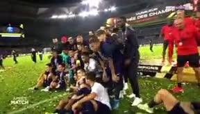 ¡Mbappé echa a Neymar de la foto de campeones! Las cámaras cazaron al francés