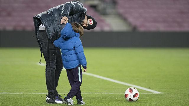Messi, Piqué y Luis Suárez disfrutaron de la goleada con sus hijos