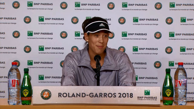 Muguruza analiza el choque contra Sharapova y la retirada de Serena Williams