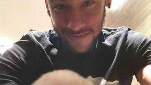 Neymar se encuentra aislado en Brasil