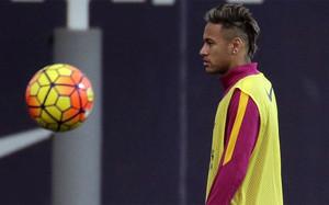 Neymar tiene cuatro ofertas millonarias... pero él quiere seguir en el Barça