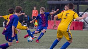 Nico González, en un partido con el Cadete A del Barça