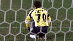 Peruzzi, leyenda en el Calcio, protagonizó dos traspasos que aún están entre los más caros