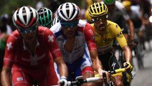 Pinot acechará en los Alpes el maillot amarillo de Alaphilippe