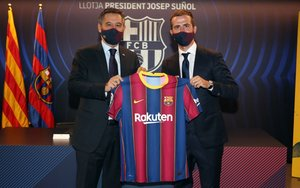 Presentación oficial de Miralem Pjanic como jugador del FC Barcelona en el Camp Nou.
